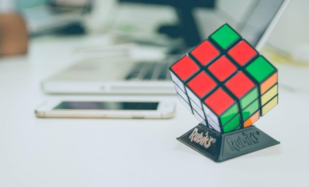 Купить головоломку Кубик Рубика недорого в интернет-магазине с доставкой по всей России