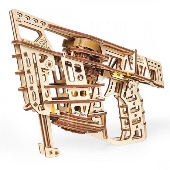 Ugears конструктор механический из дерева — Пускатель самолетиков